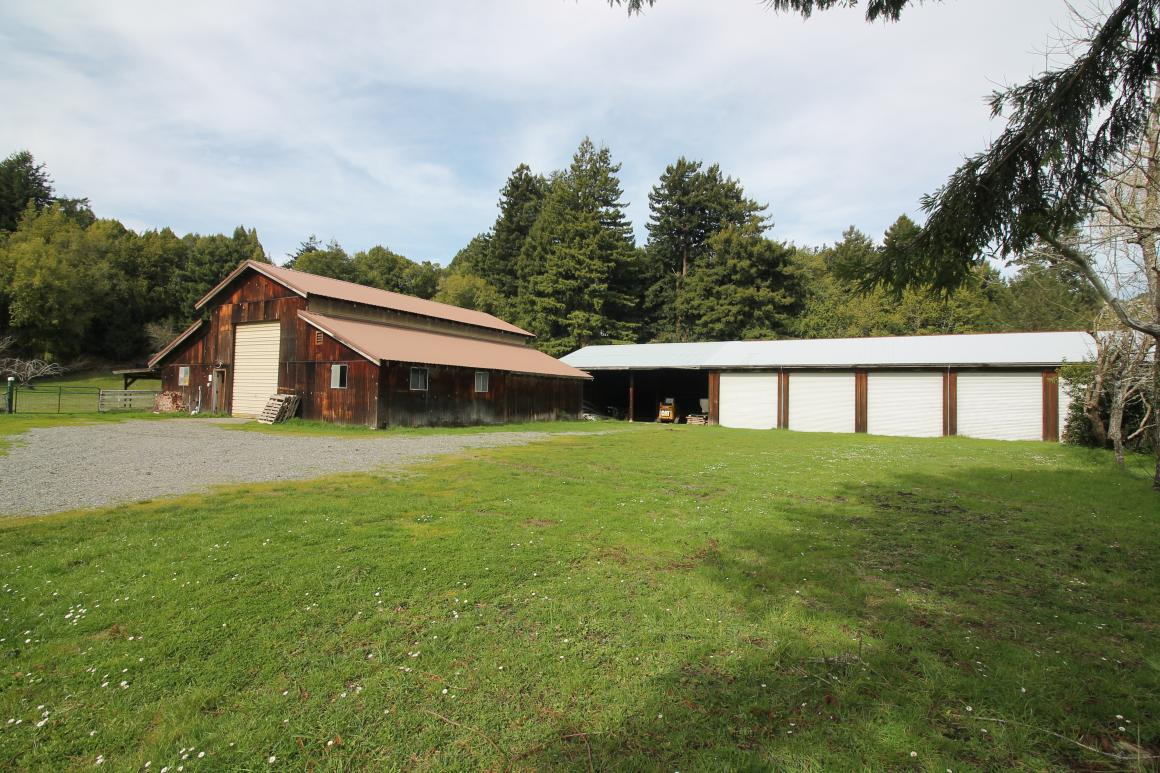 Large barn & outbuilding